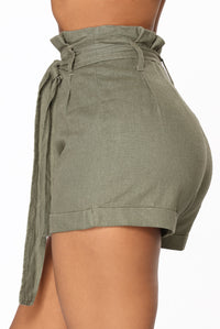 Rays Of Sunshine Linen Shorts - Olive Angle 4