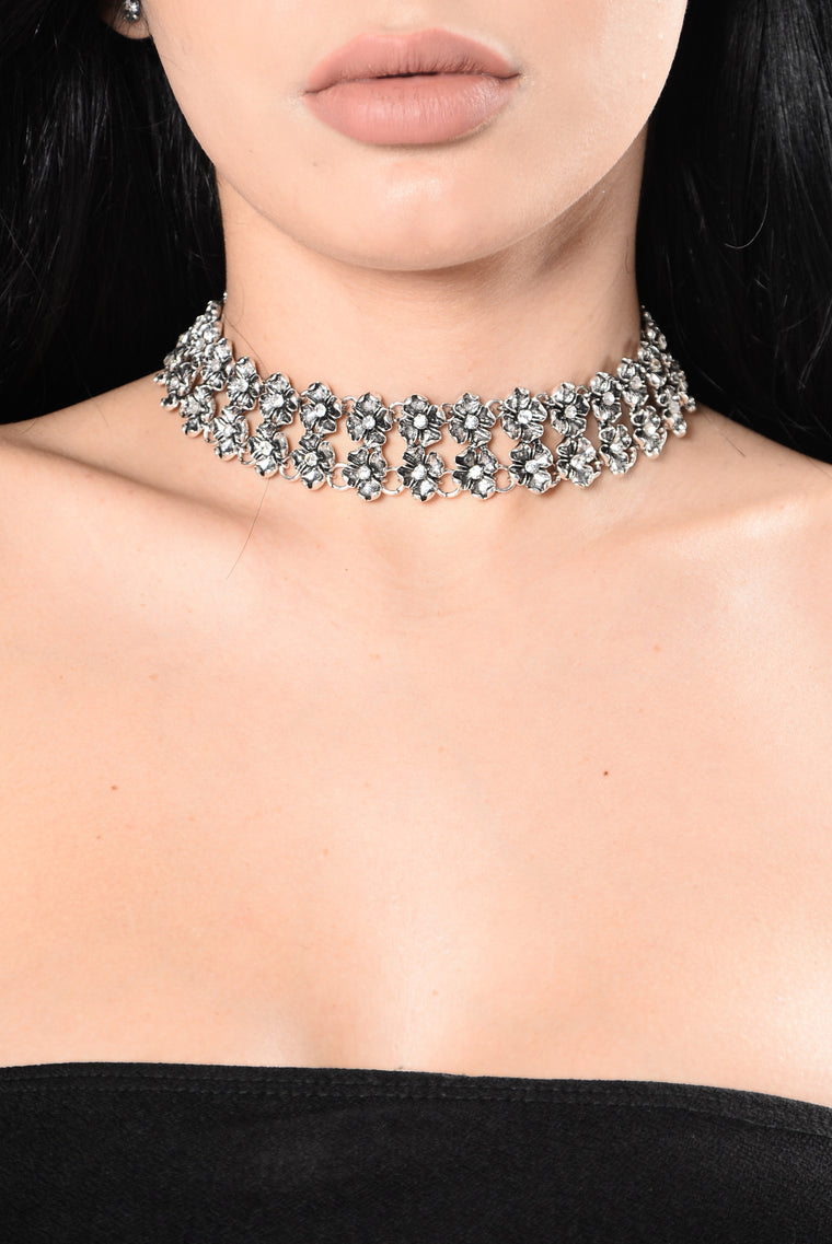 Sent You Flowers Choker - Silver