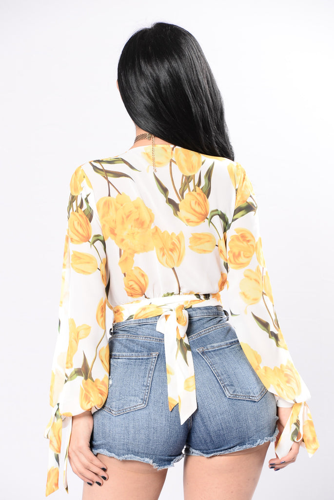 Counting Petals Top - Yellow