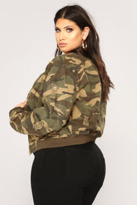 Camouflage In The City Jacket - Camo Angle 13