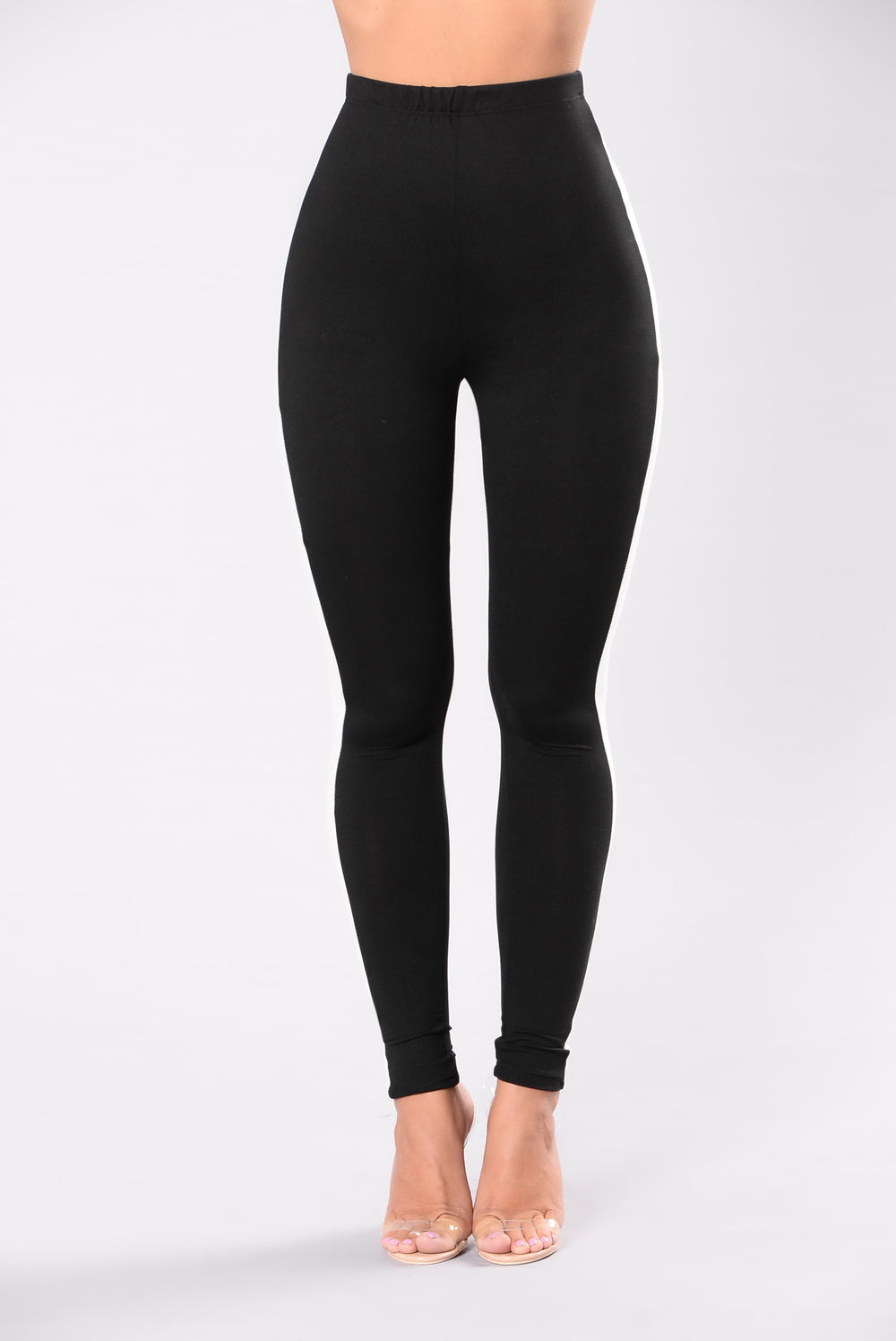 form fit leggings for women in black and white