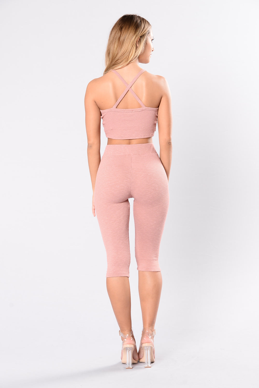 Cute yoga pants shorts in rose pink color