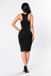 I'm Every Woman Dress - Black