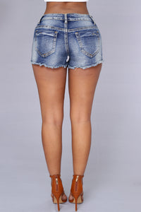 Darcy Shorts - Medium Wash