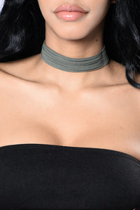 Can You Love Me? Choker - Olive