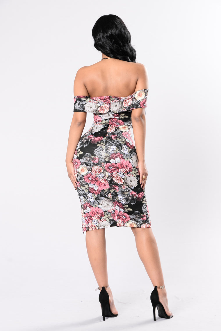 Bring Me Flowers Dress - Black