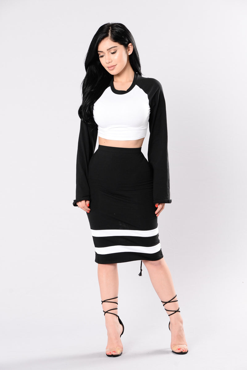 Miss Attitude Top - Black/White