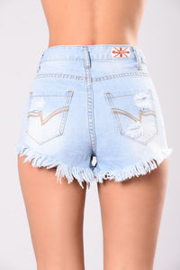 Silhouettes Shorts - Light