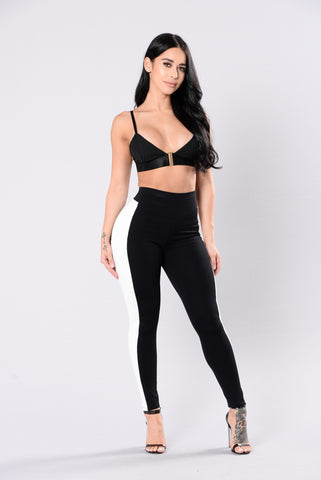 Surprise Visit Leggings - Black