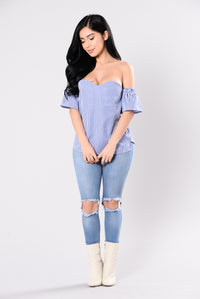 Sure Thing Top - Blue/White Angle 4