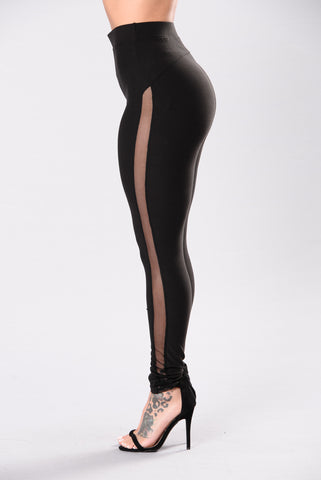 Love Never Has To Hide Leggings - Black