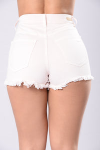 Better Than Yours Shorts - Light Pink