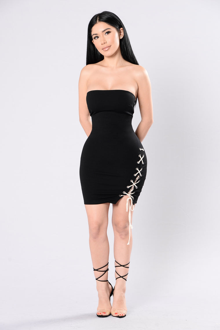 Peek The Slit Dress - Black