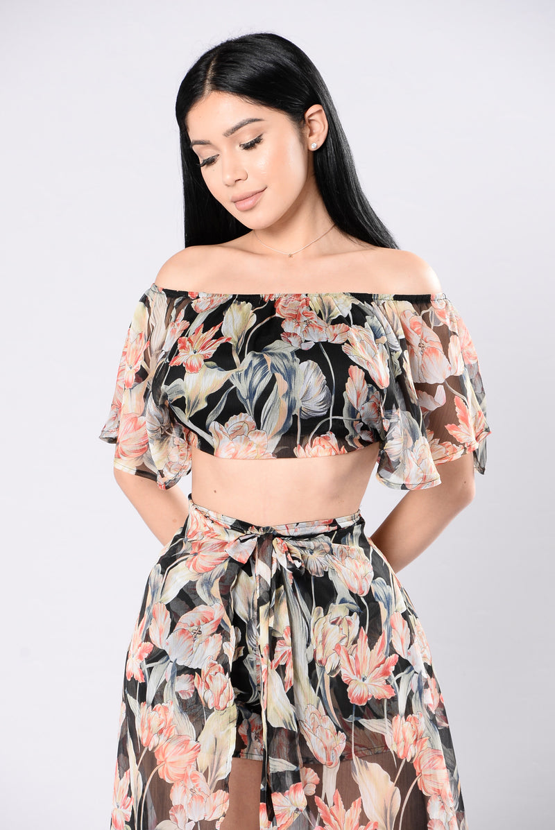Put Me First Floral Top - Black