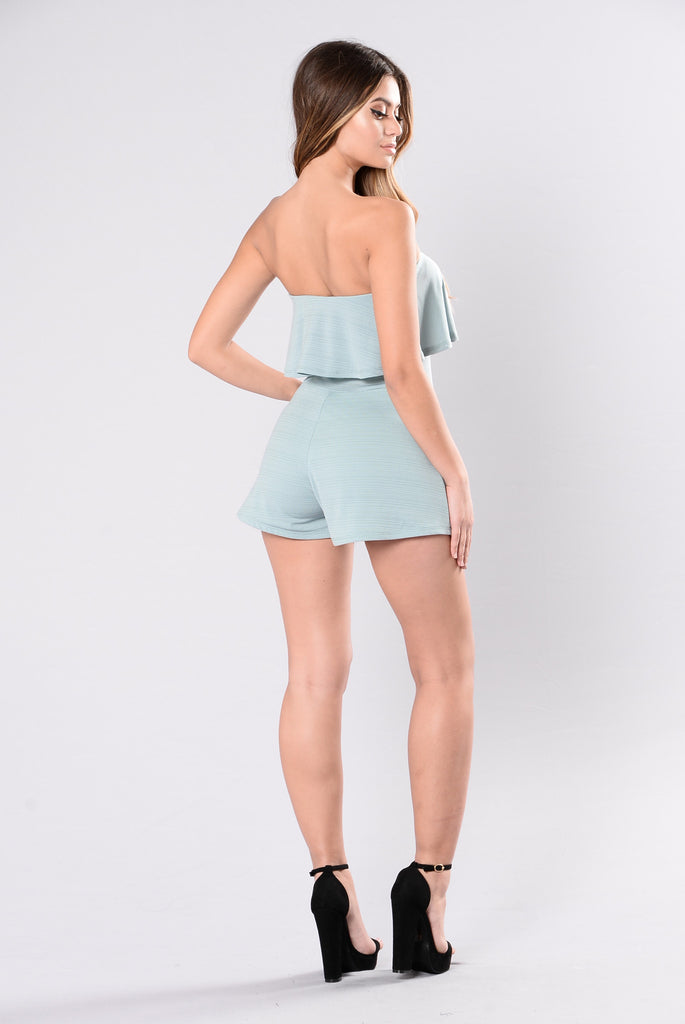 Kissing Power Romper - Sage