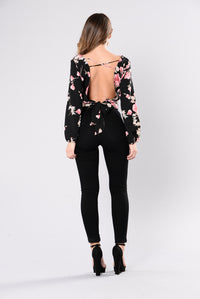 Waiting In A Garden Top - Black