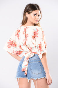 You Know Of Me Top - Floral