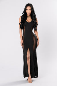 All Curves No Brakes Dress - Black