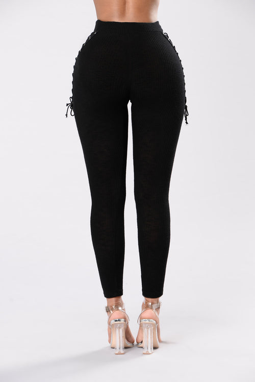 I've Got Secrets Leggings - Black