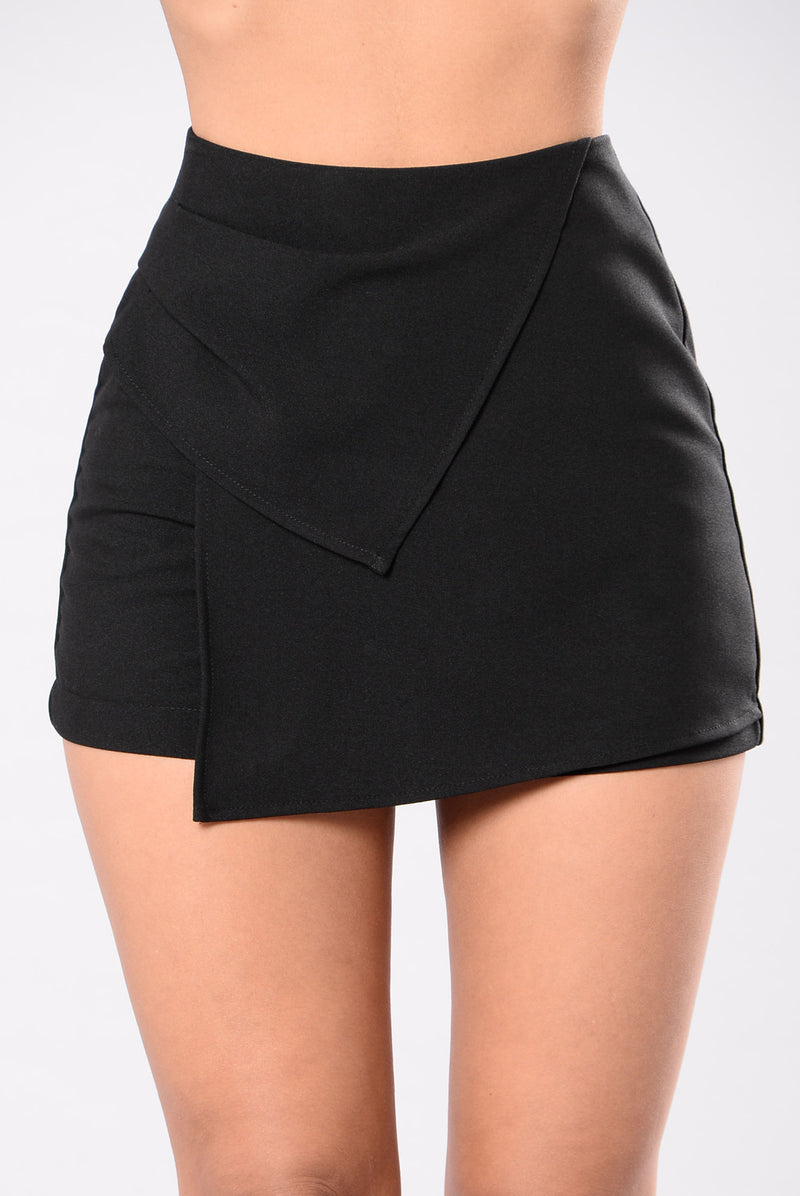 Baby I Love Your Way Shorts - Black