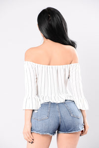 What You Crave Top - White/Navy