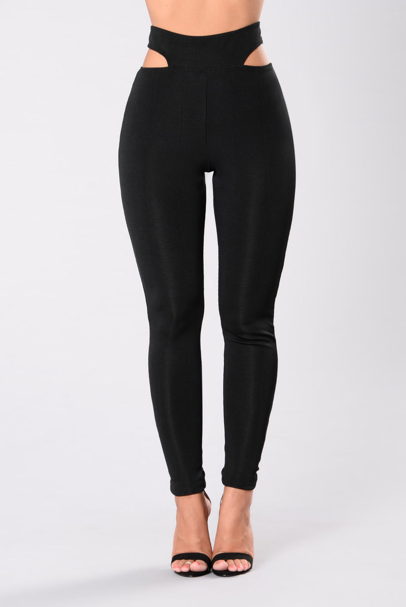 Be The Light In The Dark Leggings - Black