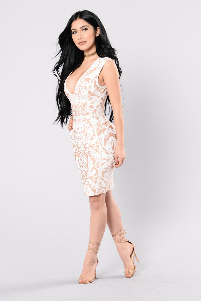 Falling In Lust Dress - Taupe/Ivory