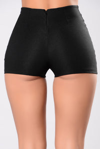Down On The West Coast Shorts - Black
