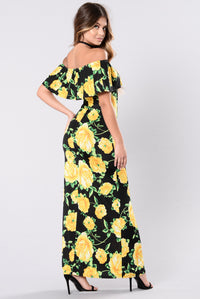 Sinking Into The Sand Dress - Black/Yellow