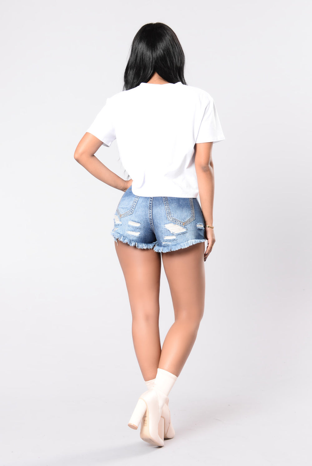 Going Out Your Way Shorts - Dark Wash