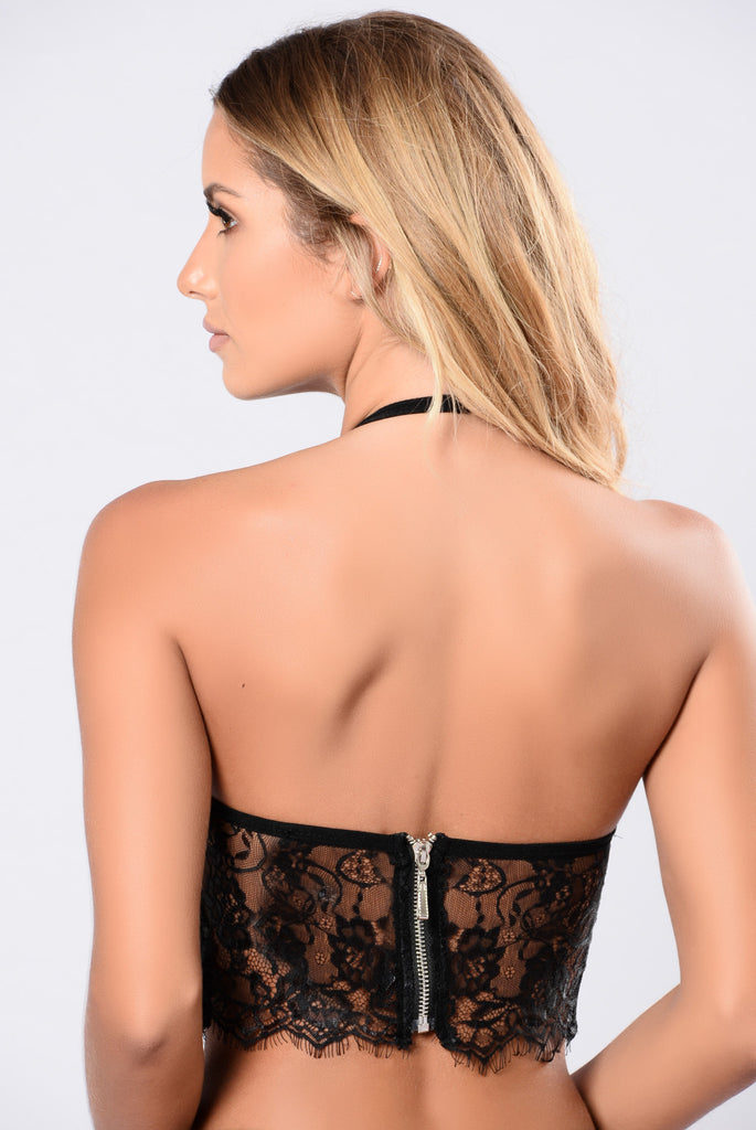 Sexy black bralette top for women