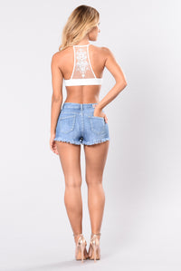 Up High Shorts - Medium Wash
