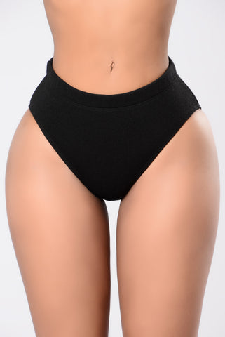 Don't Need A Man Shorts - Black
