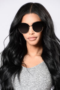 Nessi Beach Sunglasses - Black/Gold