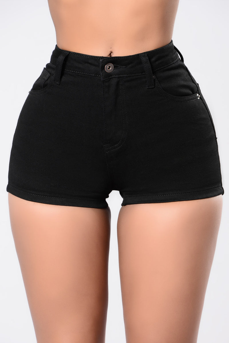 Carly Shorts - Black