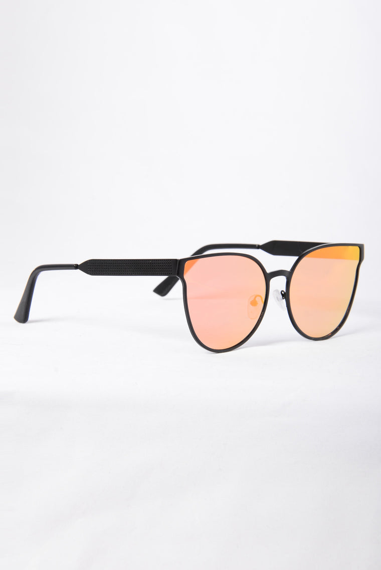 Colombia Sunglasses - Black/Red