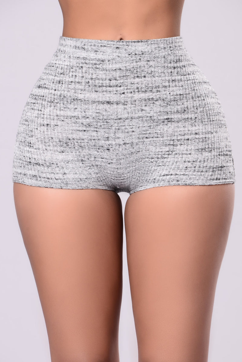 Wander Over Short - Grey