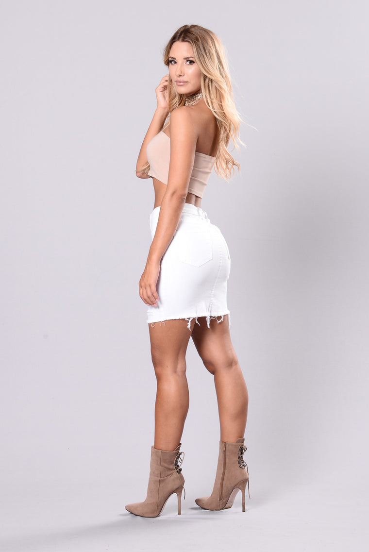 Dare You To Come Closer Skirt - White