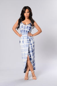 Holiday In The Sun Dress - Blue