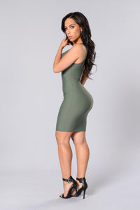 Main Chick Dress - Olive