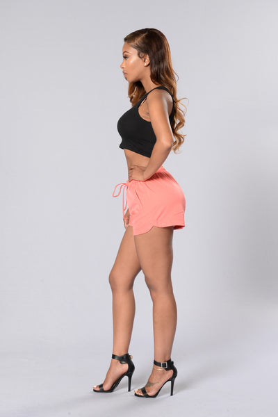 Run It Shorts - Coral