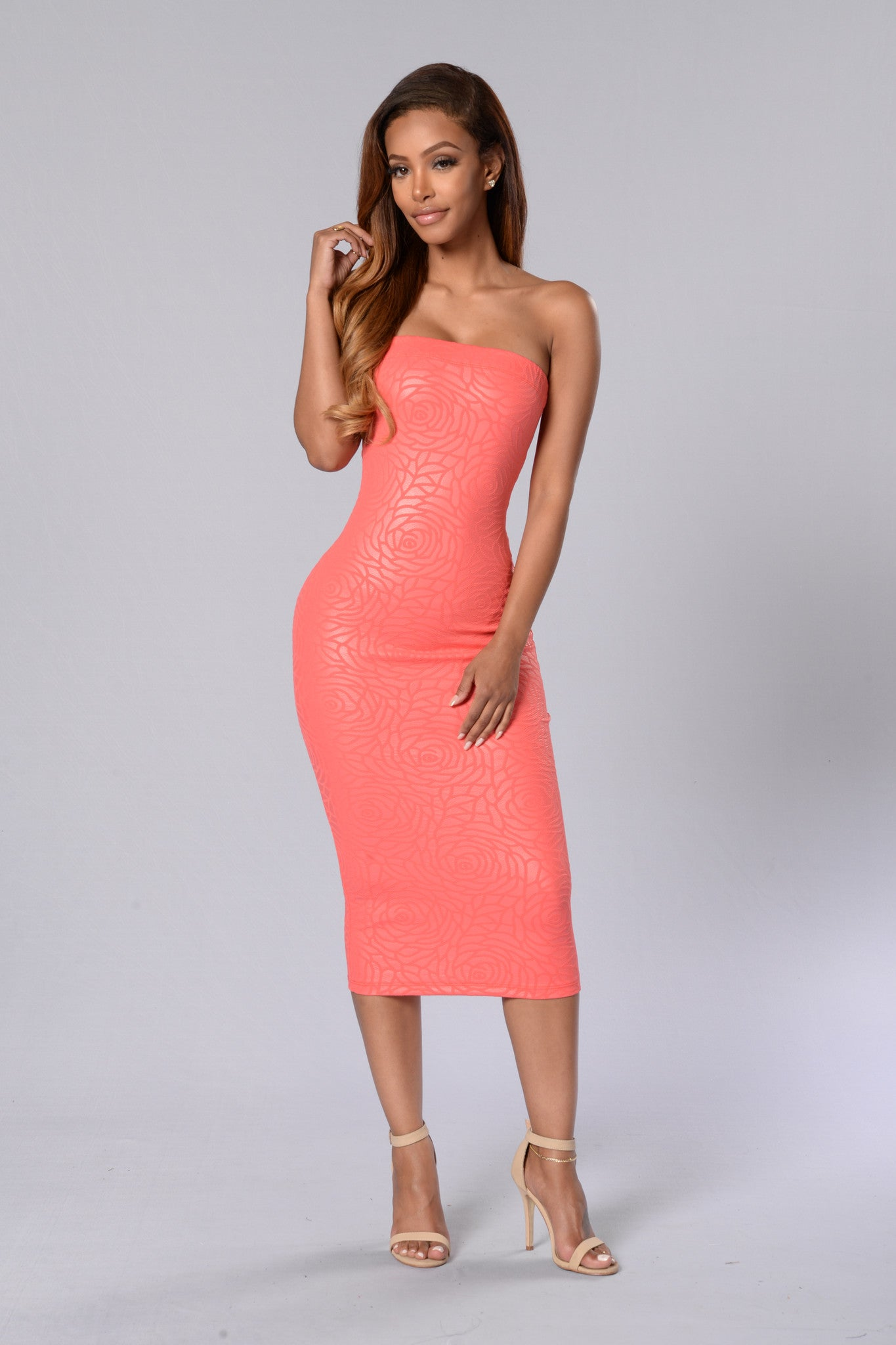 646704113e https://www.fashionnova.com/products/too-much-to-handle-dress-light ...