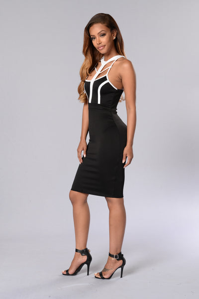 Ultra-Feminine Dress - Black/Ivory