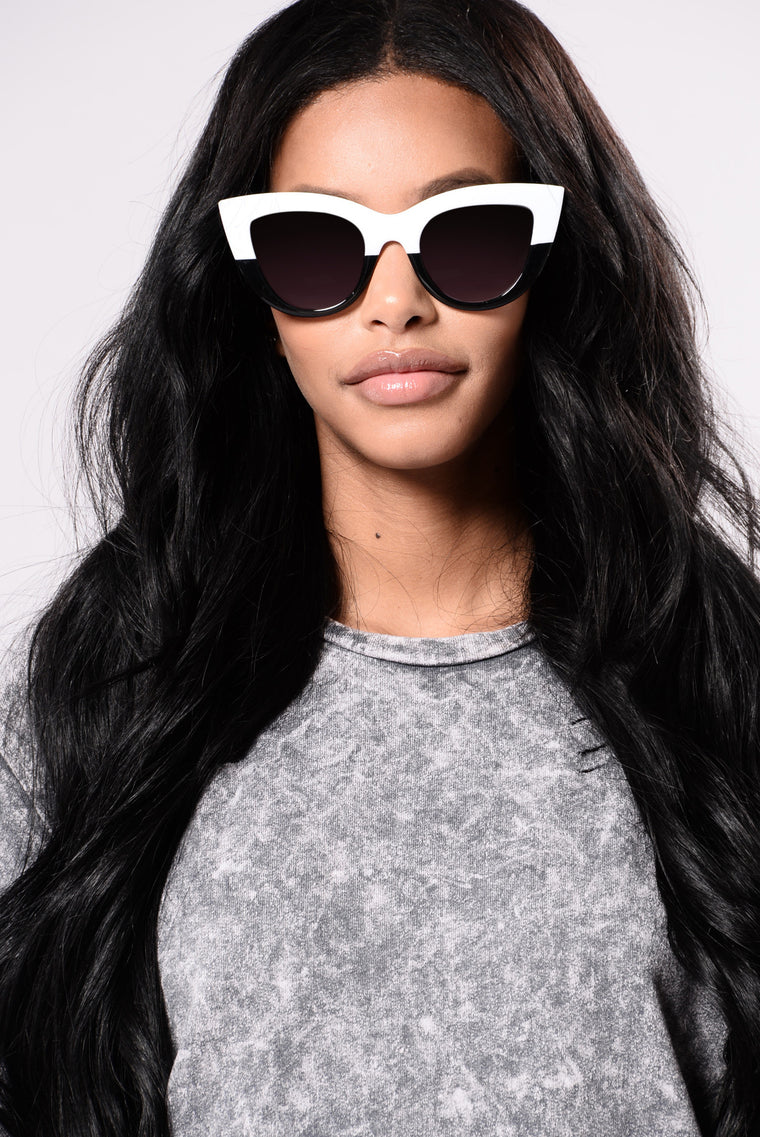 Lindsey Sunglasses - White/Black