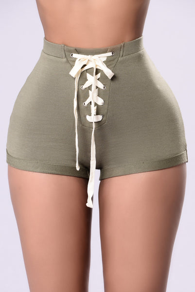 Can't Beat Me Shorts - Olive