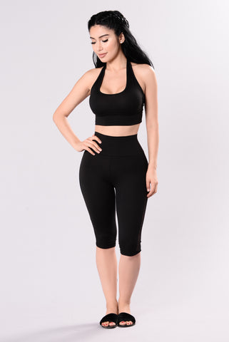Cool Drink Of Water Capri Pants - Black