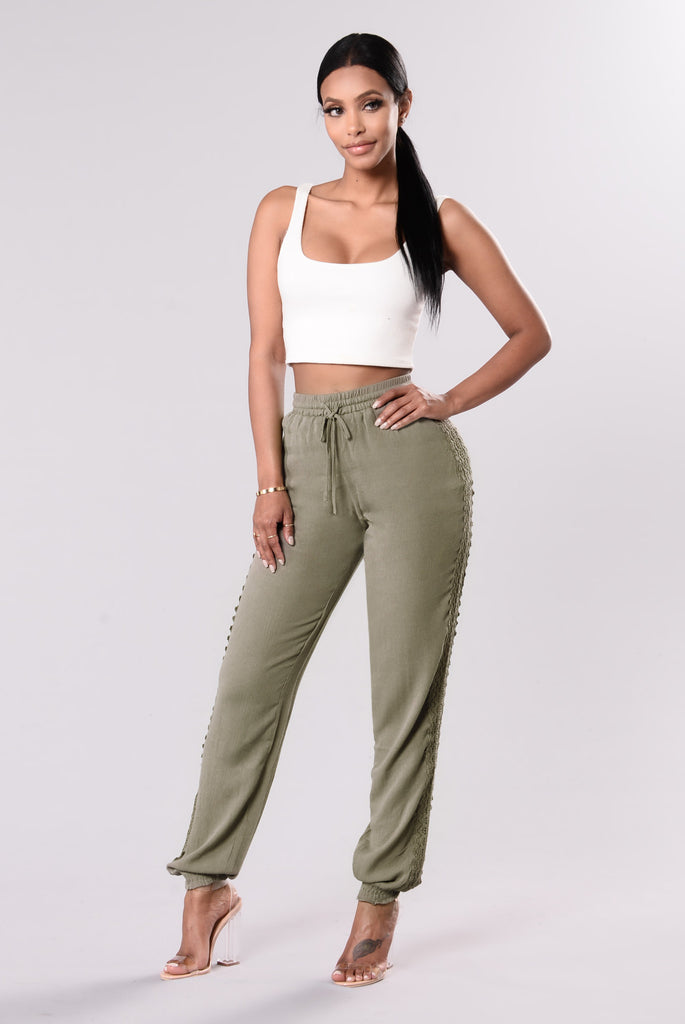 Allie Crochet Pants - Olive