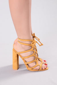 Advantage Heel - Mustard