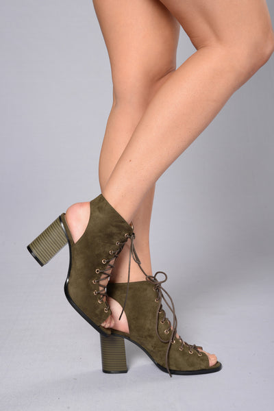 Not The Average Heel - Olive