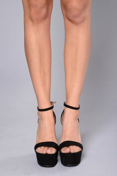 Megan Heel - Black